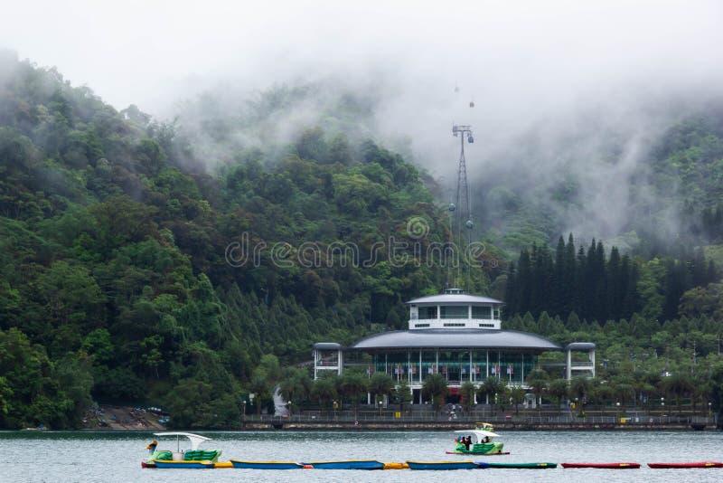 Άποψη της λίμνης φεγγαριών ήλιων στοκ φωτογραφίες με δικαίωμα ελεύθερης χρήσης