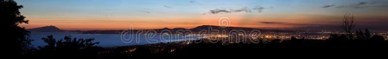 Άποψη της Νάπολης τη νύχτα στοκ εικόνα με δικαίωμα ελεύθερης χρήσης