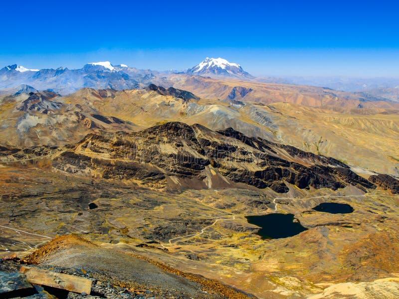 Άποψη της οροσειράς πραγματική από Chacaltaya στοκ εικόνα