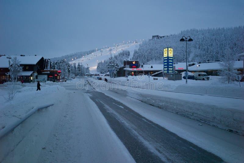 Άποψη της πόλης σκι του Levi κατά τη διάρκεια των Χριστουγέννων, Φινλανδία στοκ φωτογραφίες