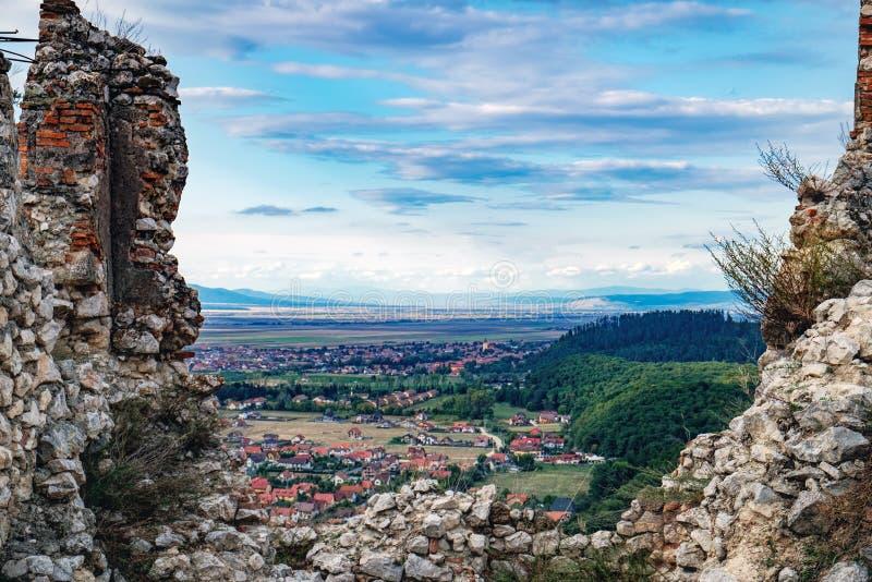 Άποψη της πόλης Rasnov από την ακρόπολη, Ρουμανία στοκ φωτογραφία με δικαίωμα ελεύθερης χρήσης