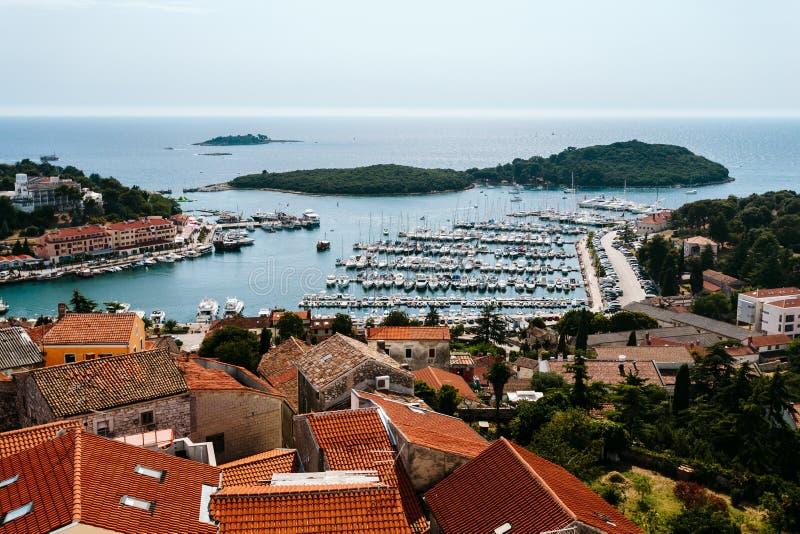 Άποψη της πόλης από την εκκλησία Vrsar ST Anthony ` s πύργων κουδουνιών, Κροατία στοκ φωτογραφία με δικαίωμα ελεύθερης χρήσης