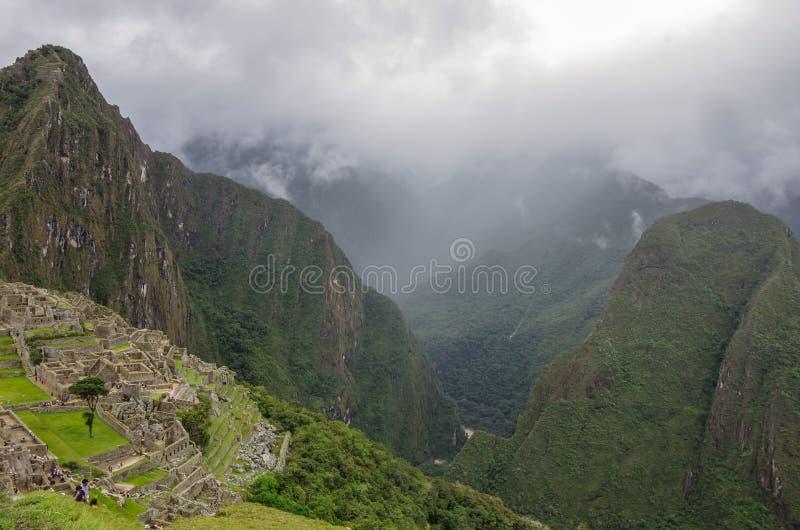 Άποψη της χαμένης πόλης Incan Machu Picchu και του MO Huayna Picchu στοκ εικόνα με δικαίωμα ελεύθερης χρήσης