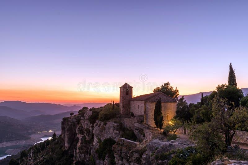 Άποψη της Romanesque εκκλησίας της Σάντα Μαρία de Siurana, σε Siurana, Tarragona, Ισπανία στοκ φωτογραφίες με δικαίωμα ελεύθερης χρήσης