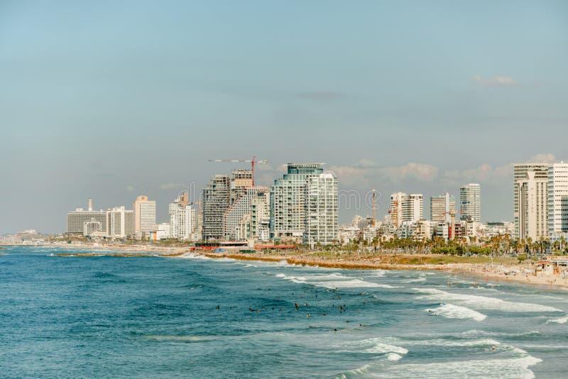 Άποψη τοπίων του Τελ Αβίβ σχετικά με τη σύγχρονη αστική πόλη Θερινό πανόραμα στοκ εικόνες