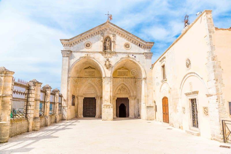 Άποψη του αδύτου σε Monte Sant ` Angelo στο apulia, Ιταλία στοκ εικόνα με δικαίωμα ελεύθερης χρήσης
