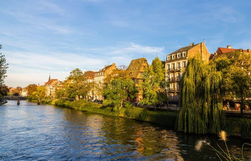 Άποψη του αναχώματος στο Στρασβούργο - την Αλσατία στοκ φωτογραφία