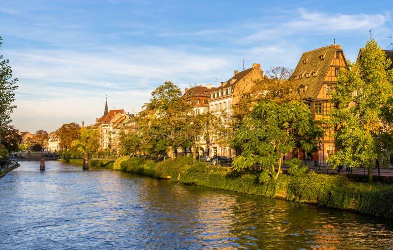 Άποψη του αναχώματος στο Στρασβούργο - τη Γαλλία στοκ φωτογραφία με δικαίωμα ελεύθερης χρήσης