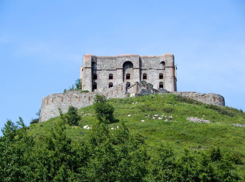 Άποψη του διαμαντιού Forte Diamante οχυρών στην πόλη του ίχνους Parco delle Mura, Γένοβα Γένοβα, Ιταλία πάρκων της Γένοβας Mura στοκ εικόνα