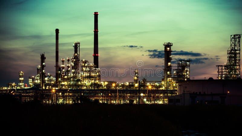 Άποψη του εργοστασίου πετροχημικών εγκαταστάσεων καθαρισμού στο Γντανσκ, Πολωνία στοκ φωτογραφία με δικαίωμα ελεύθερης χρήσης