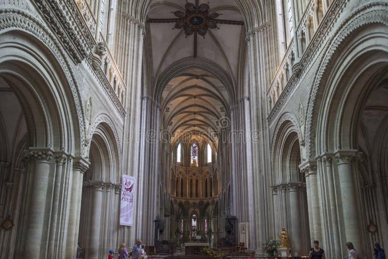 Άποψη του εσωτερικού του καθεδρικού ναού του Bayeux, Γαλλία στοκ φωτογραφίες με δικαίωμα ελεύθερης χρήσης