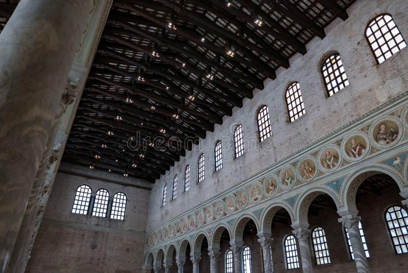 """Άποψη του εσωτερικού της βασιλικής Sant """"Apollinare σε Classe στη Ραβένα, Αιμιλία-Ρωμανία, Ιταλία στοκ φωτογραφίες με δικαίωμα ελεύθερης χρήσης"""
