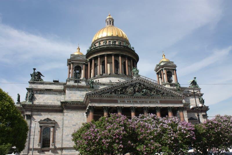 Άποψη του θόλου του καθεδρικού ναού του ST Isaac στην Πετρούπολη στοκ φωτογραφίες με δικαίωμα ελεύθερης χρήσης