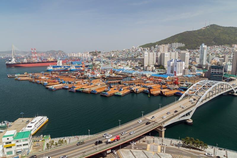 Άποψη του λιμένα και της πόλης Busan άνωθεν στοκ φωτογραφίες