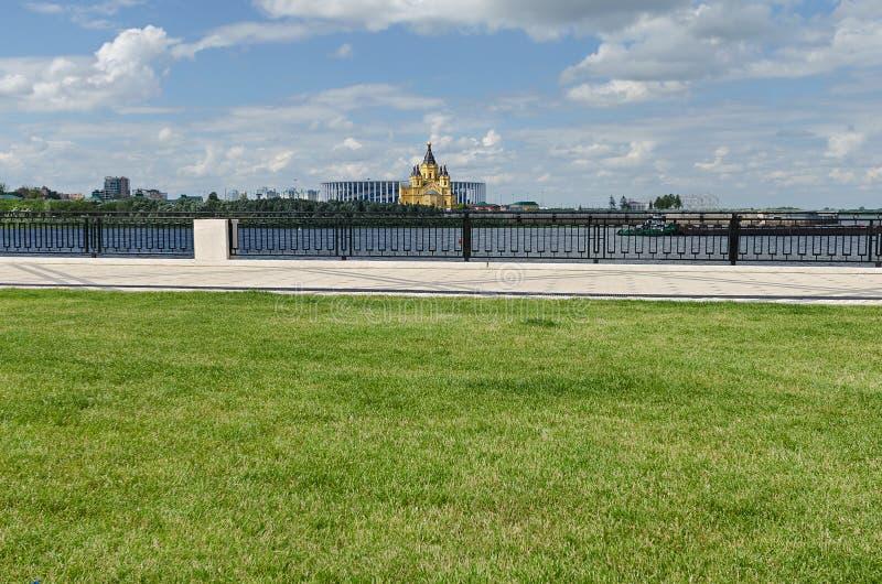 Άποψη του καθεδρικού ναού του Αλεξάνδρου Nevsky σε Nizhny Novgorod στοκ φωτογραφία με δικαίωμα ελεύθερης χρήσης