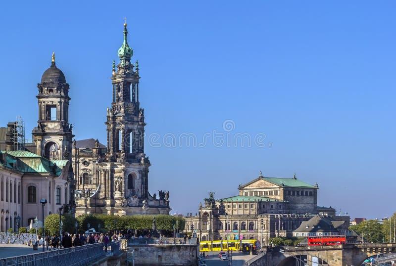 Άποψη του καθεδρικού ναού της Δρέσδης και Semperoper, Δρέσδη, Γερμανία στοκ εικόνα με δικαίωμα ελεύθερης χρήσης