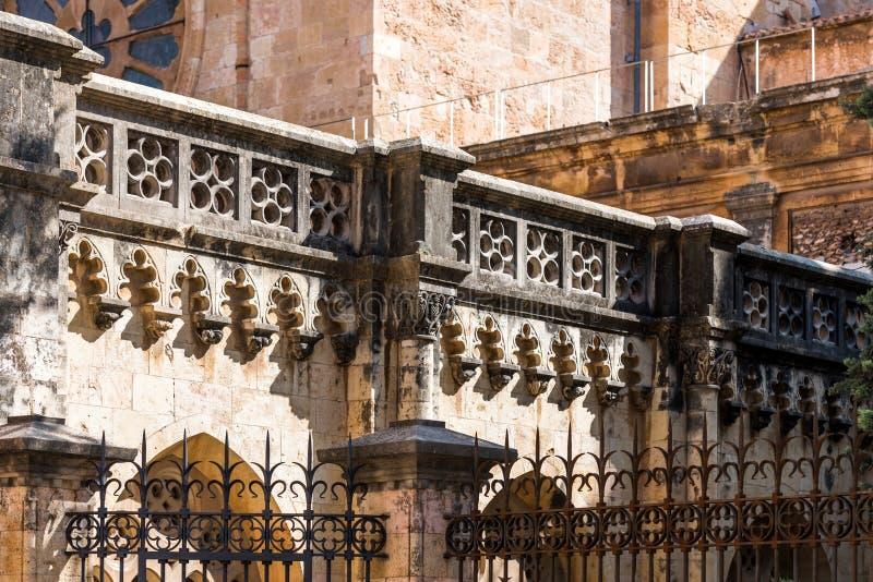 Άποψη του καθολικού καθεδρικού ναού καθεδρικών ναών κινηματογραφήσεων σε πρώτο πλάνο προσόψεων, Tarragona, Catalunya, Ισπανία Κιν στοκ φωτογραφίες με δικαίωμα ελεύθερης χρήσης