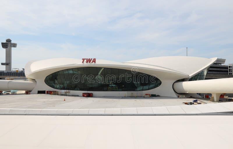 Άποψη του κεντρικού κτηρίου πτήσης ορόσημων TWA που σχεδιάζεται από το Eero Saarinen στο John Φ Διεθνής αερολιμένας JFK Kennedy στοκ φωτογραφίες