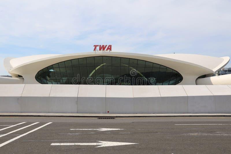 Άποψη του κεντρικού κτηρίου πτήσης ορόσημων TWA που σχεδιάζεται από το Eero Saarinen στο John Φ Διεθνής αερολιμένας JFK Kennedy στοκ εικόνες