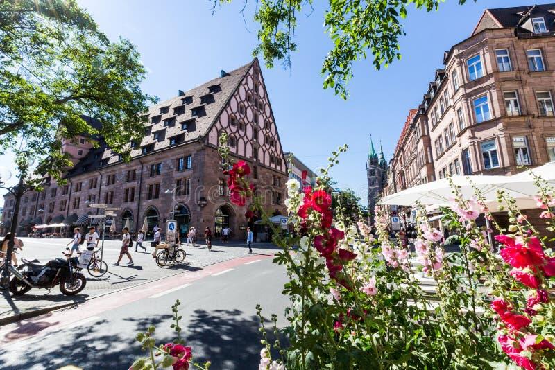 Άποψη του κτηρίου Mauthalle στο παλαιό πόλης μέρος της Νυρεμβέργης στοκ εικόνες