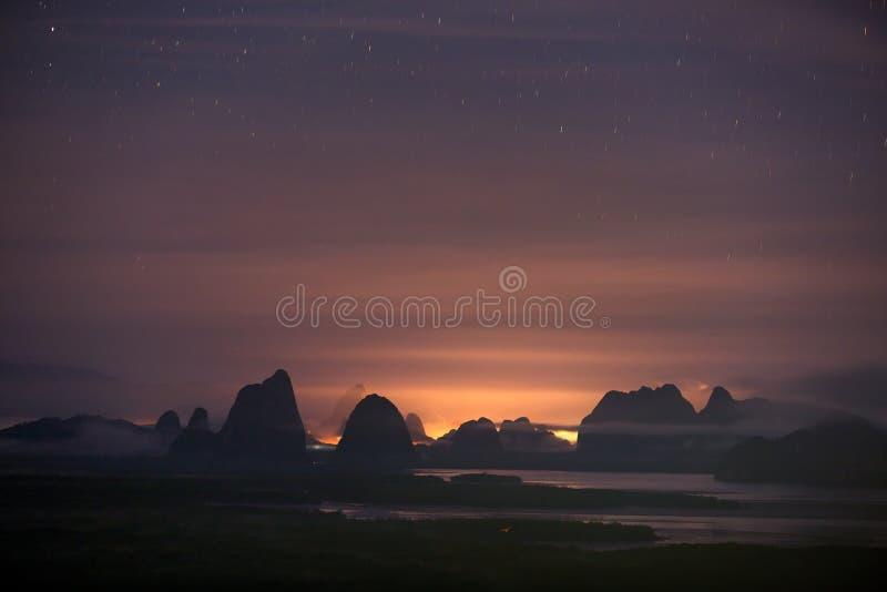 Άποψη του κόλπου Phang Nga από την άποψη Samet Nangshe, Ταϊλάνδη στοκ φωτογραφία με δικαίωμα ελεύθερης χρήσης