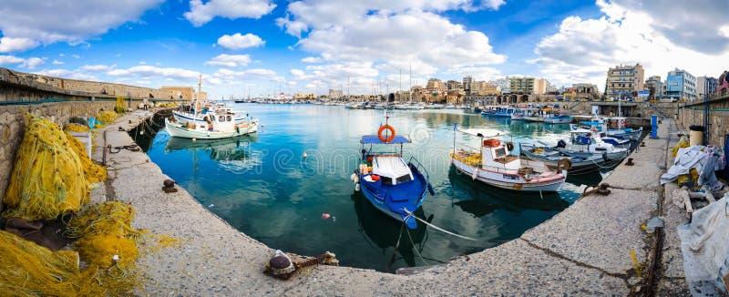 Άποψη του λιμανιού Ηρακλείου από το παλαιό ενετικό οχυρό Koule, Κρήτη, Ελλάδα στοκ εικόνες με δικαίωμα ελεύθερης χρήσης
