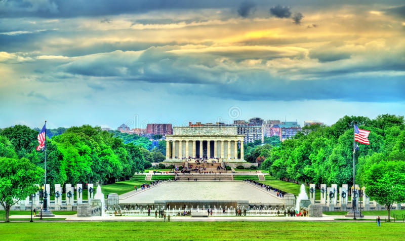 Άποψη του μνημείου του Λίνκολν στην εθνική λεωφόρο στην Ουάσιγκτον, Δ Γ στοκ εικόνα