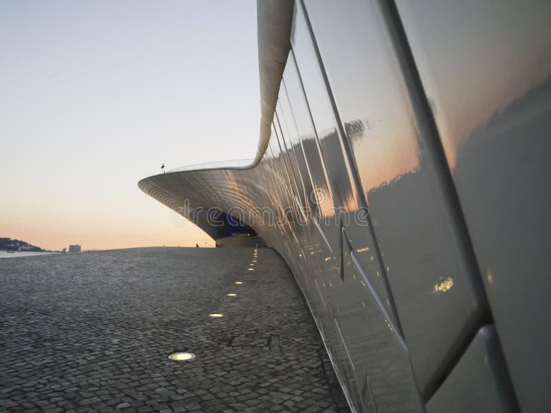 Άποψη του μουσείου MAAT στη Λισσαβώνα στοκ φωτογραφία