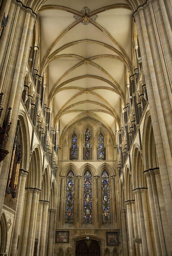 Άποψη του νότου Transcept του μοναστηριακού ναού Beverely από τη χορωδία, Beverley, ανατολική οδήγηση του Γιορκσάιρ, UK - το Μάρτ στοκ εικόνες