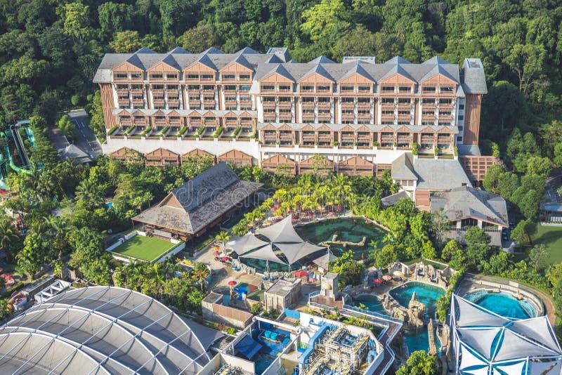 Άποψη του ξενοδοχείου σκληρής ροκ που βλέπει από το τελεφερίκ της Σιγκαπούρης στοκ εικόνες