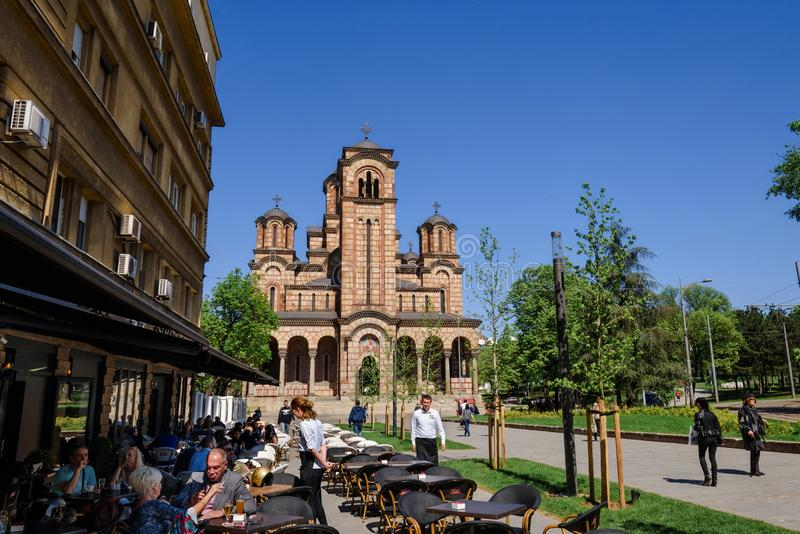 Άποψη του πάρκου Tasmajdan και της εκκλησίας του σημαδιού του ST στοκ εικόνα