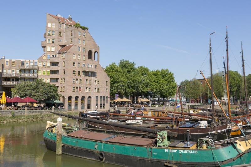 Άποψη του παλαιού λιμανιού στο κεντρικό μέρος του Ρότερνταμ στοκ φωτογραφία