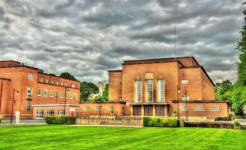 Άποψη του πανεπιστημίου της βασίλισσας στο Μπέλφαστ στοκ φωτογραφίες με δικαίωμα ελεύθερης χρήσης