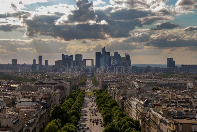 Άποψη του Παρισιού από το τόξο de triomphe στοκ εικόνα