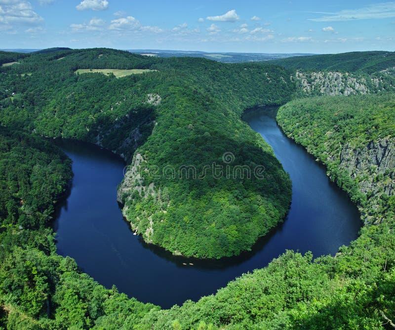 Άποψη του πεταλοειδούς μαιάνδρου μορφής ποταμών Vltava στοκ εικόνα