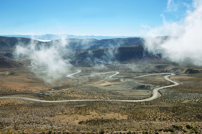 Άποψη του δρόμου με πολλ'ες στροφές γνωστή ως Cuesta de Lipan στοκ φωτογραφίες