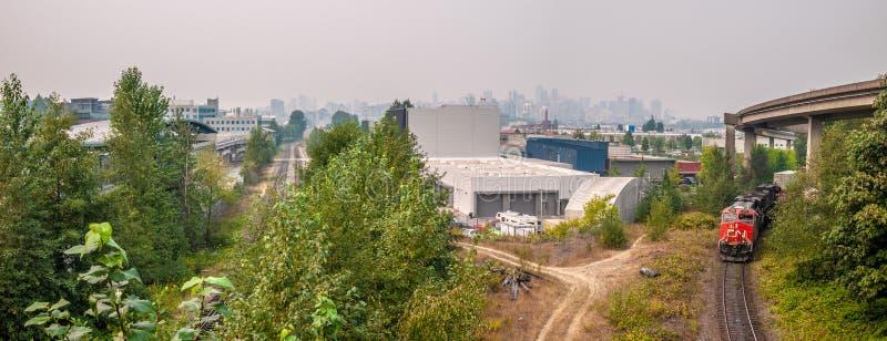 Άποψη του στο κέντρο της πόλης Βανκούβερ από το εμπορικό Drive στοκ φωτογραφία με δικαίωμα ελεύθερης χρήσης