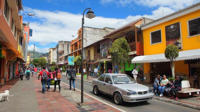 Άποψη του στο κέντρο της πόλης της πόλης Banos Το Banos βρίσκεται στους βόρειους λόφους του ηφαιστείου Tungurahua στοκ φωτογραφίες