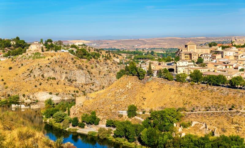 Άποψη του Τολέδο επάνω από τον ποταμό Tagus στην Ισπανία στοκ φωτογραφία