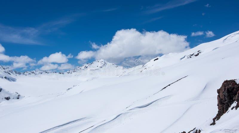 Άποψη του υποστηρίγματος Elbrus στοκ εικόνα