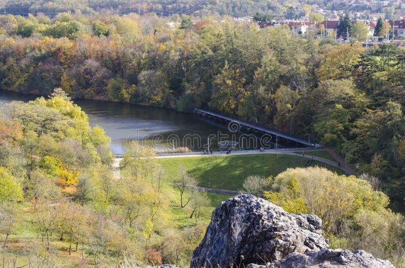 Άποψη του φυσικού πάρκου Divoka Sharka Divoká Š árka στα βορειοδυτικά της Πράγας Τσεχική Δημοκρατία στοκ εικόνες