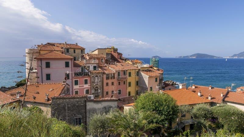 Άποψη του όμορφου χωριού παραλιών Tellaro, Λα Spezia, Λιγυρία, Ιταλία στοκ φωτογραφία με δικαίωμα ελεύθερης χρήσης
