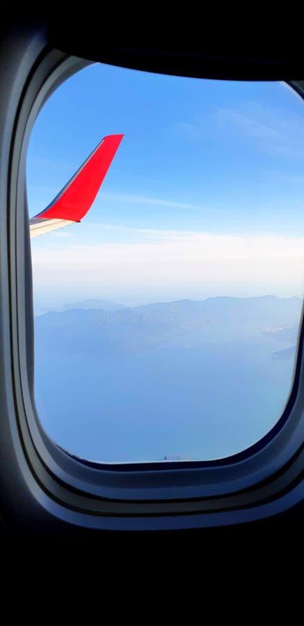 Άποψη του airplane' παράθυρο του s στοκ εικόνες