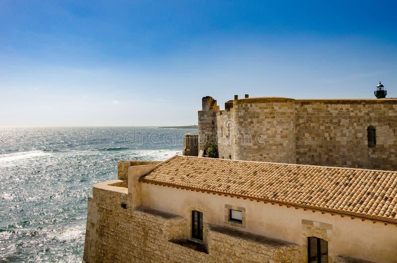 Άποψη το παλαιό Castle στοκ εικόνες