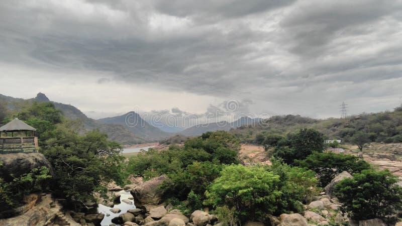 Άποψη των βουνών στοκ εικόνα