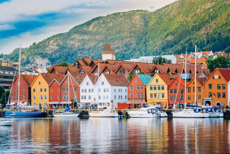 Άποψη των ιστορικών κτηρίων, Bryggen στο Μπέργκεν, Νορβηγία ΟΥΝΕΣΚΟ στοκ φωτογραφίες