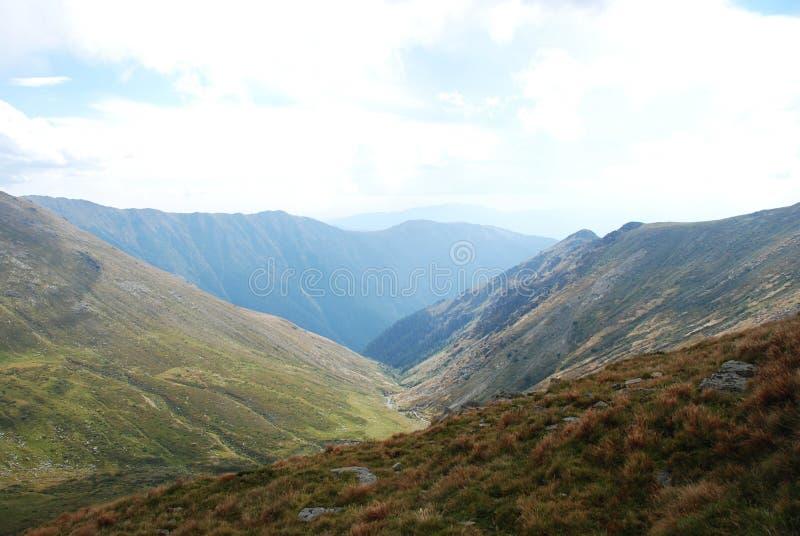 Άποψη των Καρπάθιων βουνών, Ρουμανία στοκ εικόνες
