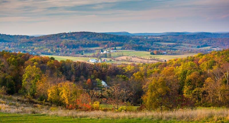 Άποψη των κυλώντας λόφων στην αγροτική κομητεία του Frederick, Μέρυλαντ στοκ φωτογραφία με δικαίωμα ελεύθερης χρήσης