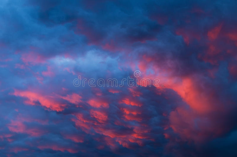 Άποψη των σύννεφων καταιγίδας. στοκ εικόνες