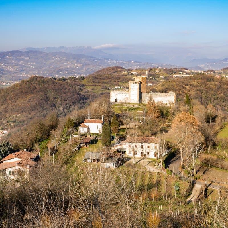 Άποψη των λόφων Montecchio Maggiore (Βιτσέντσα, Ιταλία) στοκ εικόνες